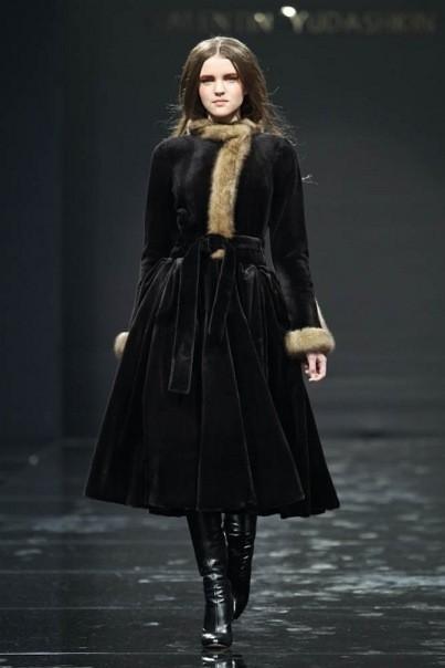 Изображение 5. Volvo Fashion Week. День 1. Valentin Yudashkin fall-winter 2011/12.. Изображение № 5.