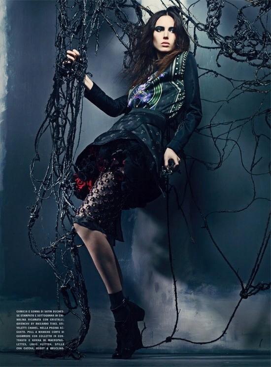 Съемка: Аризона Мьюз и Руби Олдридж для Vogue Италия. Изображение № 5.