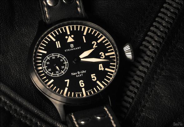 Steinhart Nav B-Uhr black. 370 EUR (19% VAT incl.). Изображение № 44.