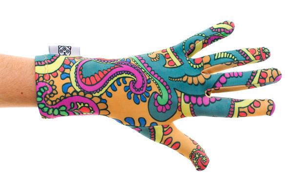 Цветные перчатки молодой марки Ena. Изображение № 2.