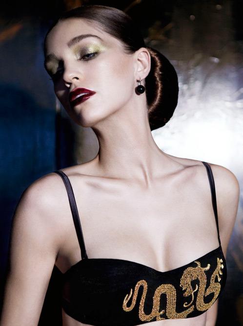 Лукбук осенне-зимней кампании бренда нижнего белья La Perla. Изображение № 14.