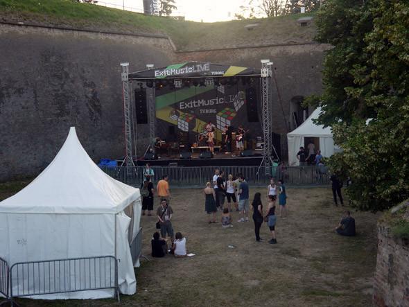Exit Music Live — небольшая, тысячи на полторы человек сцена для групп-новичков со всего мира. Здесь, например, играли Tip Top Tellix.. Изображение № 6.