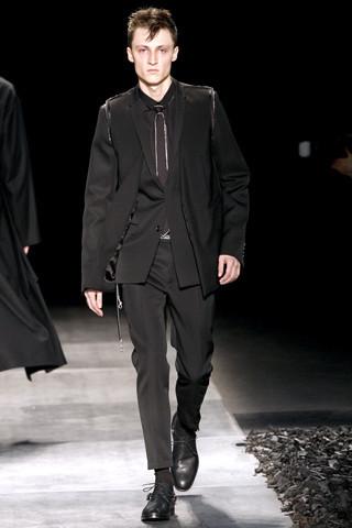 Неделя моды в Париже: мужские показы. Изображение № 79.