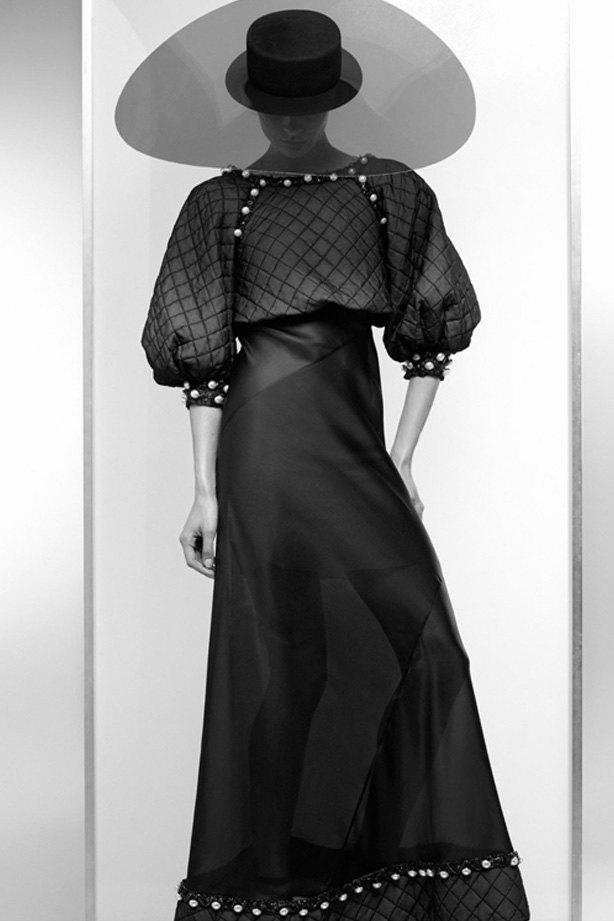 Показаны новые лукбуки Balenciaga, Chanel и Zac Posen. Изображение № 1.
