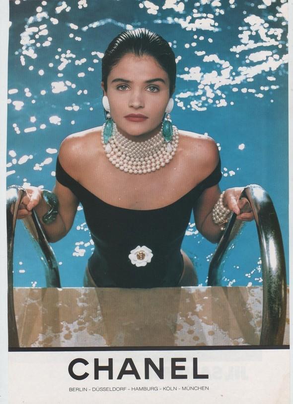 Архивная съёмка: Рекламная кампания Chanel SS 1990. Изображение № 6.