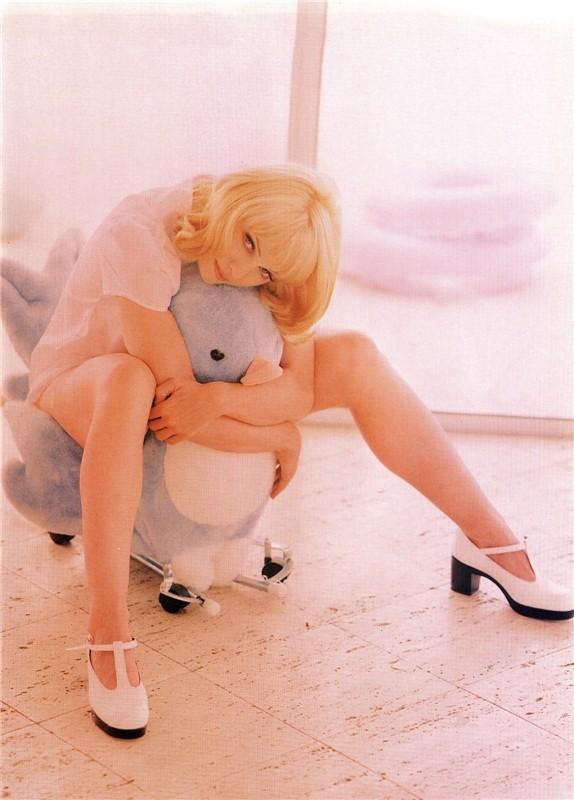 Madonna дляVanity Fair 1992 год. Изображение № 12.