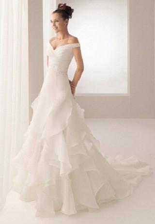 """""""Выбираем свадебное платье!"""" 93 идеи ведущих дизайнеров. Изображение № 70."""