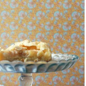 Яблочный пирог с миндальным кремом — Рецепты читателей на The Village