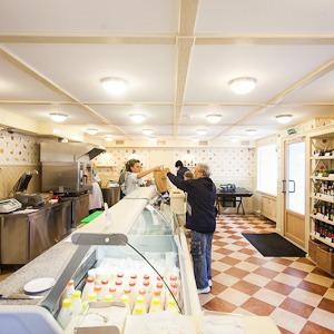 Первый магазин фермерской сети «Гирлянда» открылся на Петроградской  — Магазины на The Village