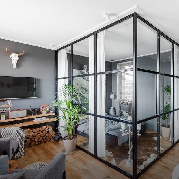 Брутальная студия со стеклянной спальней в районе Таганки — Квартира недели на The Village