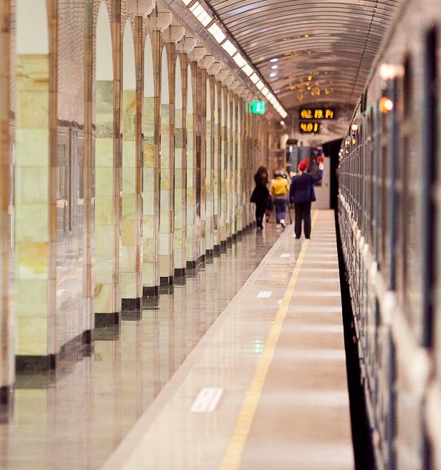 Люди в городе: Первые пассажиры ночного метро  — Люди в городе на The Village