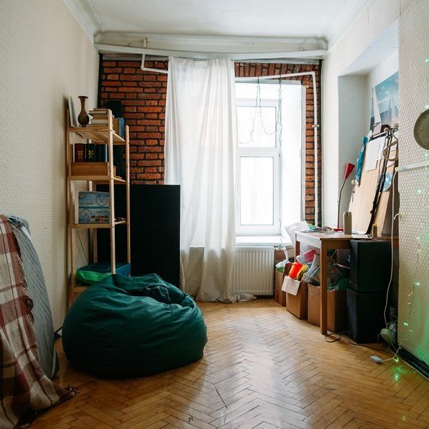 «Мы живем в квартире — общественном пространстве» — Личный опыт на The Village
