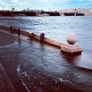 Шторм в Петербурге в снимках Instagram — Ситуация на The Village