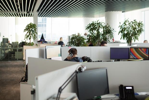Можно ли заниматься своими проектами, работая в корпорации?  — Работа translation missing: ru.desktop.posts.titles.on The Village