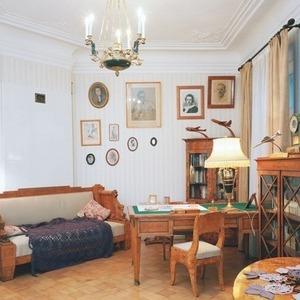В магазине Mood Swings появились обои с изображением московских квартир — Ситуация на The Village