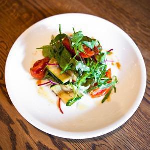 Рецепты шефов: Салат из овощей на гриле с ванильной заправкой — Рецепты шефов на The Village