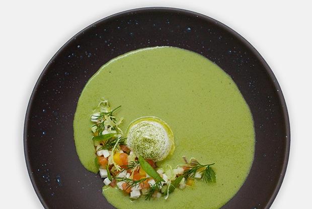3 холодных супа: томатный с арбузом, огуречный с моцареллой и свекольный с черешней