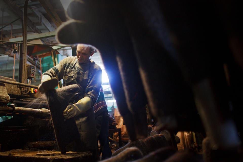Производственный процесс: Как делают валенки — Как это работает на The Village
