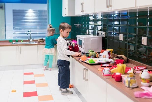 Игра в имитацию: Как выглядит детский парк игрового обучения «Кидзания» в Москве — Новое место на The Village