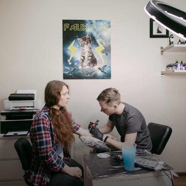 Москва, я люблю тебя: Татуировки с символами города от The Village и студии Faux Pas — Гид The Village на The Village