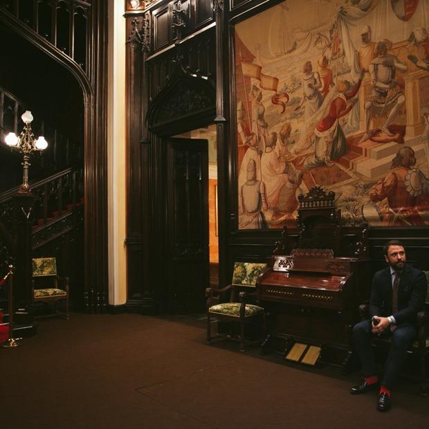 «Я работаю в старинном особняке посольства Италии» — Где ты работаешь на The Village