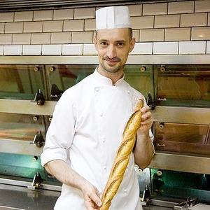 Фоторепортаж с кухни: Как пекут хлеб в «Волконском» — Рестораны на The Village