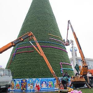 Ёлки-палки: Что происходит с главной новогодней ёлкой в Киеве — Ситуация на The Village