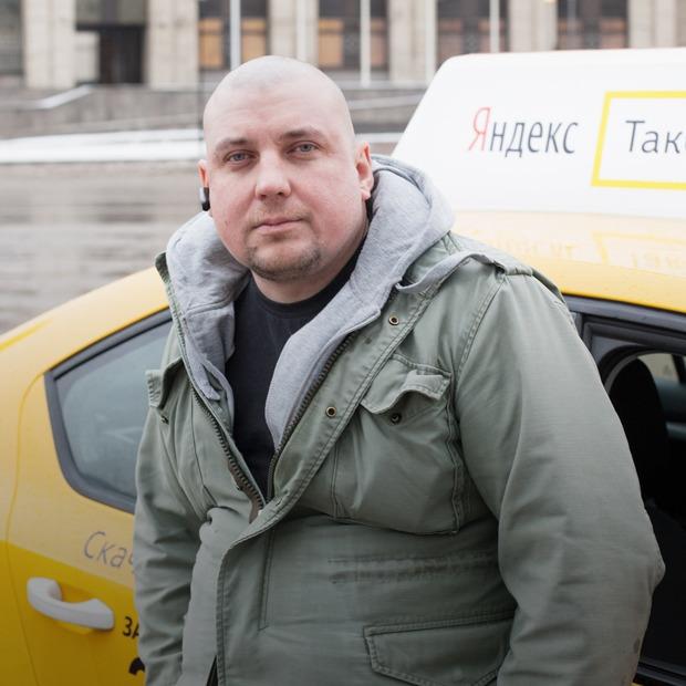 «Не качает»: The Village слушает главные альбомы года с таксистом — Итоги года 2015 на The Village