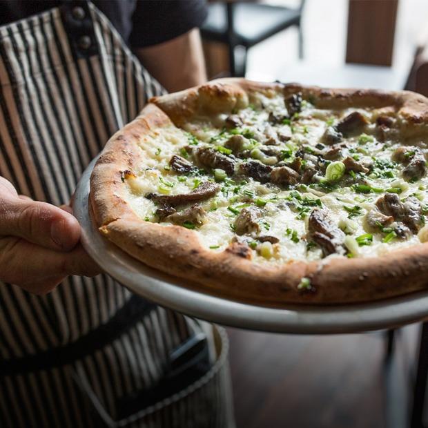 Тестоблюстители: Кто и как делает неаполитанскую пиццу в Петербурге — Индустрия на The Village
