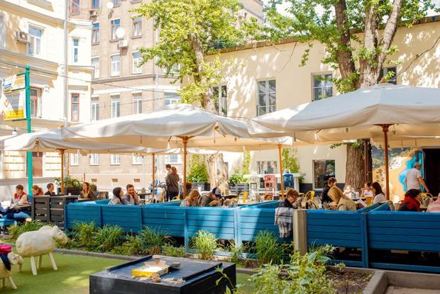 Готовы ли московские рестораны к посетителям с детьми?