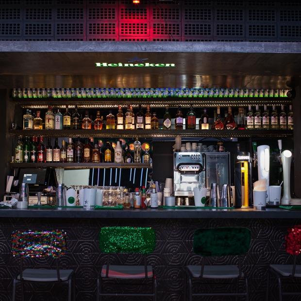 Летний фестиваль длиной в полгода: Как устроен Heineken Bar — Новое в Москве на The Village