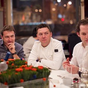 Разговоры на спортивном ужине — Ужины в баре Strelka на The Village