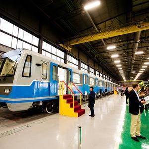 В Петербурге представили новые вагоны метро и низкопольный трамвай