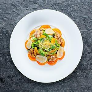 Рецепты шефов: Цитрусовый салат с гребешками — Рецепты шефов на The Village