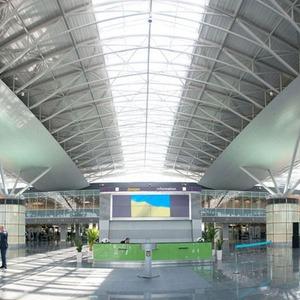 Фоторепортаж: В аэропорту Борисполь открыли самый большой на Украине терминал — Фоторепортаж на The Village