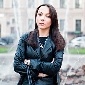 Внешний вид: Карина Курганова, хозяйка Retro Shop — Внешний вид на Look At Me