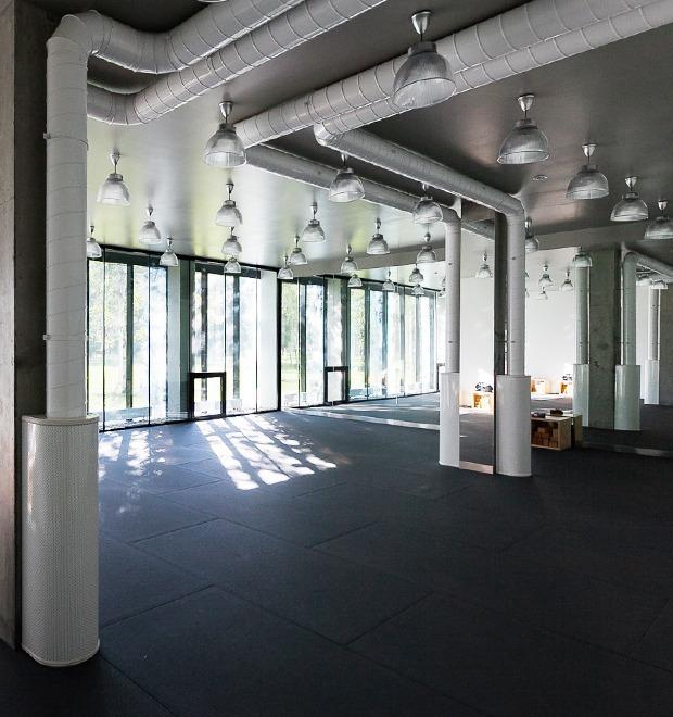 Интерьер недели (Петербург): Студия горячей йоги Hot Yoga Studio — Интерьер недели на The Village