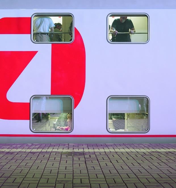 Фото дня: Первый в России двухэтажный поезд