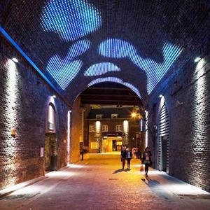 Иностранный опыт: Как световые инсталляции меняют жизнь городов — Иностранный опыт на The Village