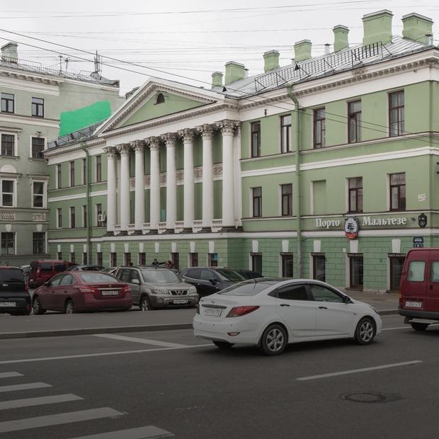 Я живу в Доме с ротондой на Гороховой (Петербург)