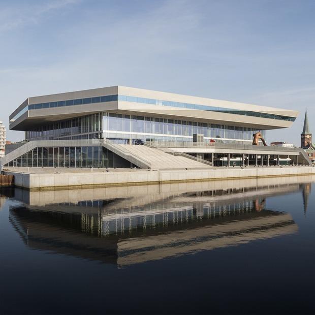 10 лучших зданий первой половины 2015 года