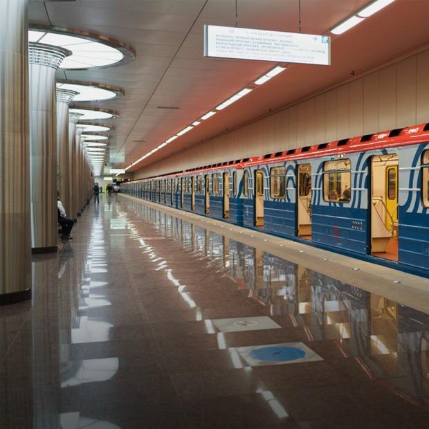 Зонтпэкер и зарядка для гаджетов — как устроена станция метро «Котельники» — Фоторепортаж на The Village