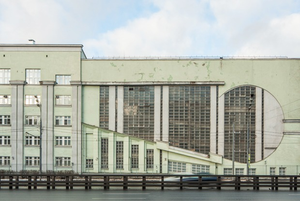 Архитектор Михаил Князев — о самых необычных автомобильных гаражах Москвы — Постройка века на Look At Me
