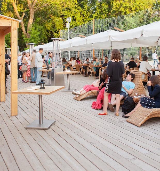 Зов улиц: 36 открытых веранд и террас — Рестораны на The Village