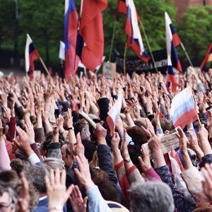 Прямая трансляция: «Обсуждение приговора Навальному» — Ситуация на The Village