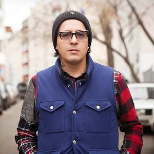 Внешний вид: Дмитрий Оскес, куратор исоорганизатор Faces&Laces — Внешний вид на The Village