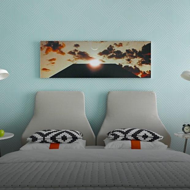 Просторная квартира для любительницы путешествий и фильмов Стэнли Кубрика