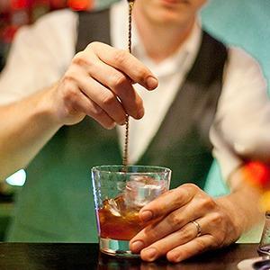 На ход ноги: Алкогольные маршруты Moscow Bar Tour — Кухня на The Village