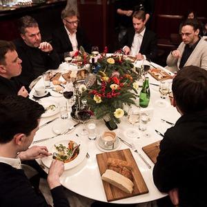 Разговоры на ужине: Имидж Москвы — сейчас и завтра — Ужины в баре Strelka на The Village
