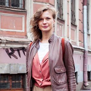 Внешний вид: Анна Боганова, сотрудник S-11 — Внешний вид на The Village